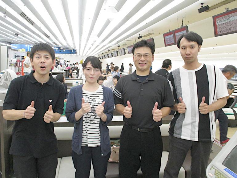 ③Aチーム(左から)瀬尾係長、関根さん、社長、加藤君
